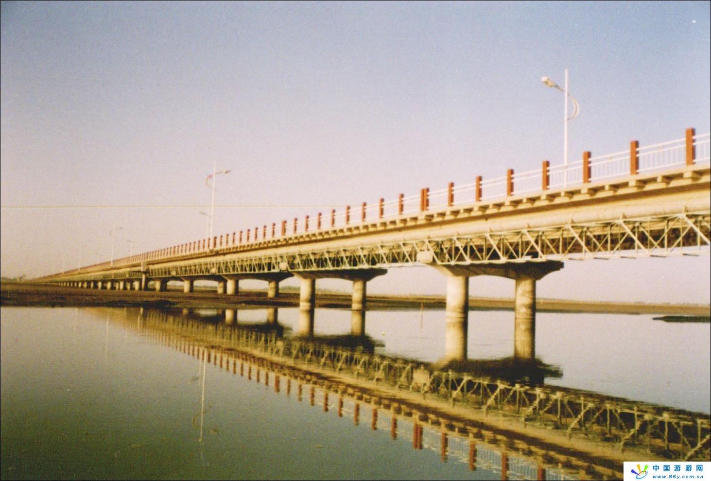 新阿拉尔塔里木河大桥九月将建成通车