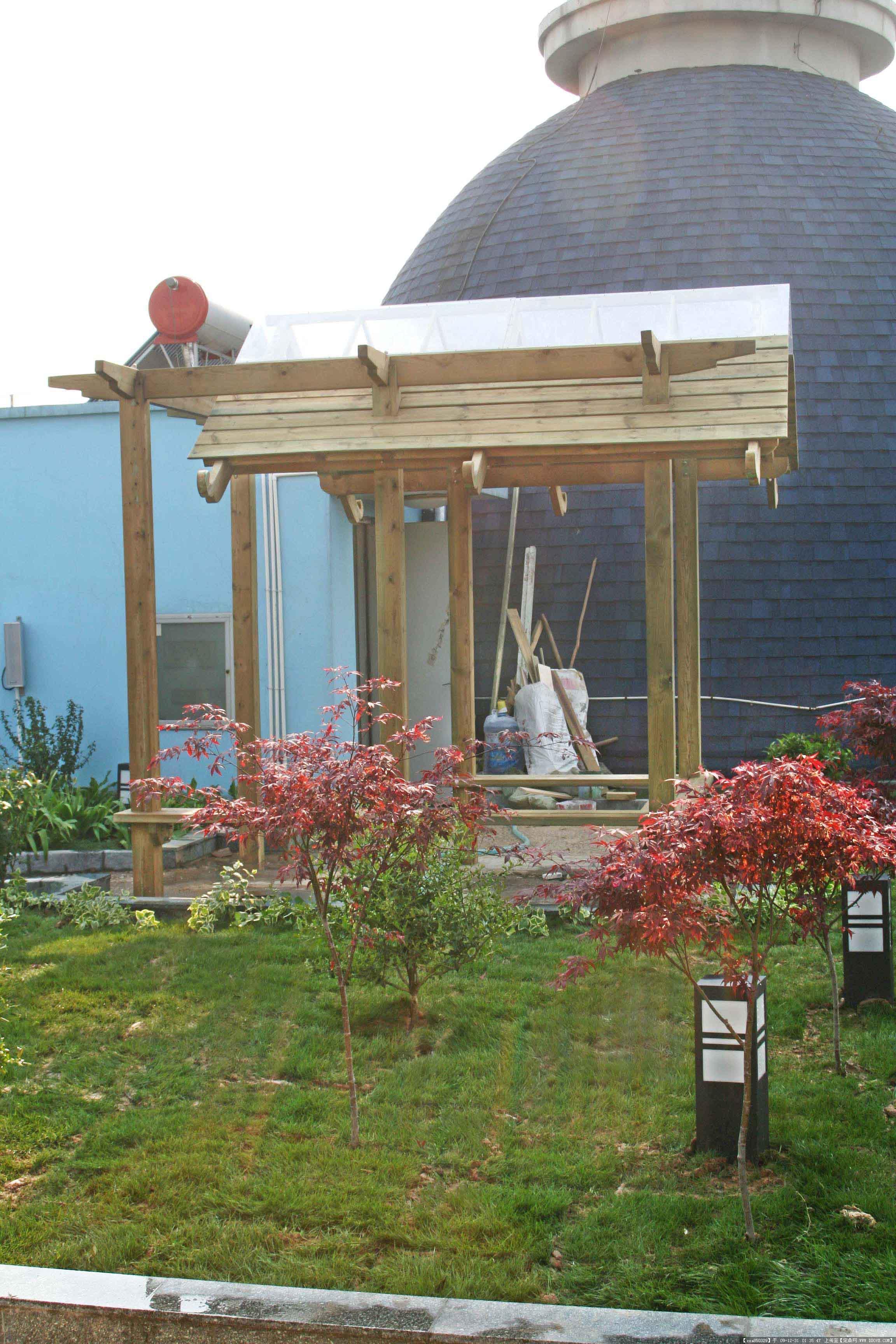 屋顶花园004; 阳台花架防腐木;; 我的空空的屋顶.